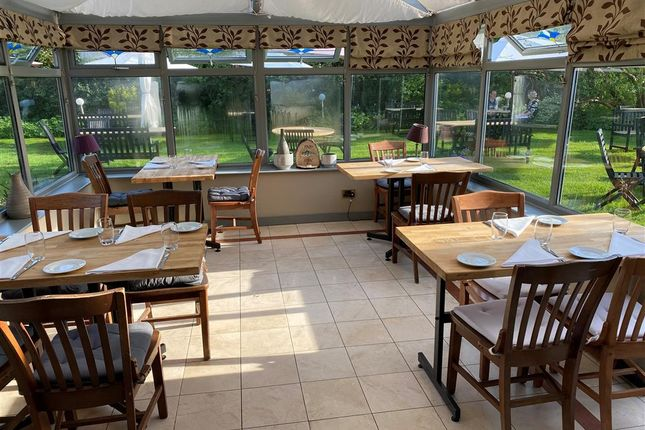 Thumbnail Restaurant/cafe for sale in OX14, Sutton Courtenay, Oxfordshire