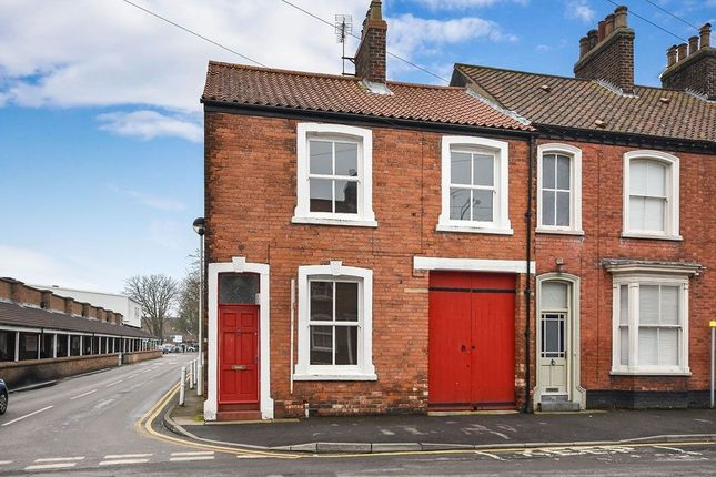 Terraced house to rent in George Street, Driffield