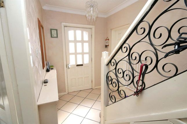 Entrance Hall of Ardeen Road, Town Moore, Doncaster DN2