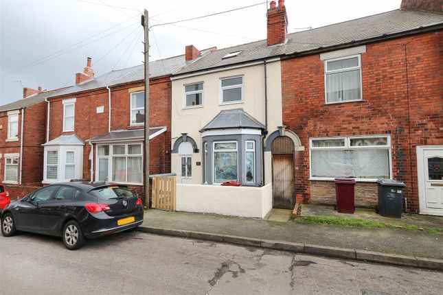 Thumbnail Property to rent in Hunloke Road, Holmewood, Chesterfield