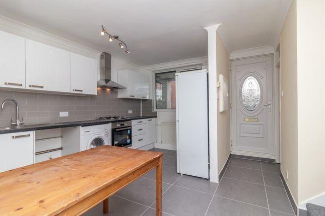 Thumbnail Flat to rent in Chart Street, London