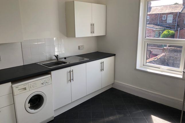 Thumbnail Flat to rent in Thatto Heath Road, Thatto Heath, St. Helens