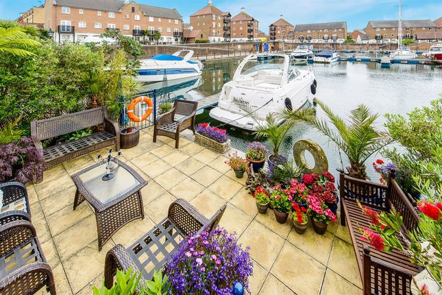 5 bed town house for sale in The Piazza, Eastbourne