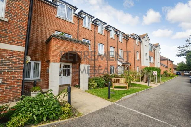 Thumbnail Flat for sale in Appletree Court, Gillingham