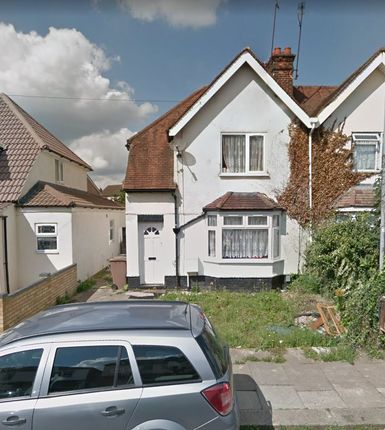 Thumbnail Semi-detached bungalow to rent in Poynters Road, Luton