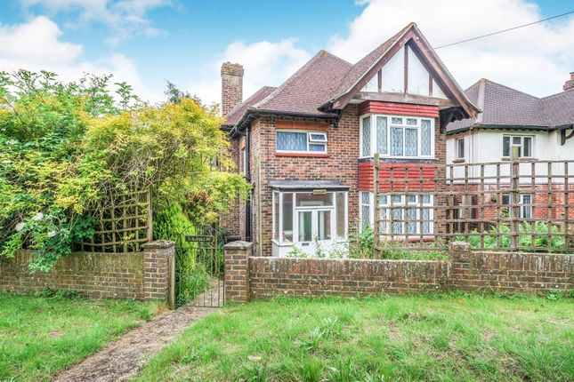 Thumbnail Detached house for sale in Brooklands Way, East Grinstead