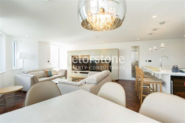 Thumbnail Flat for sale in City Road, Old Street, London