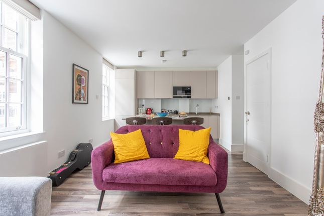 Thumbnail Town house to rent in Marshall Street, London