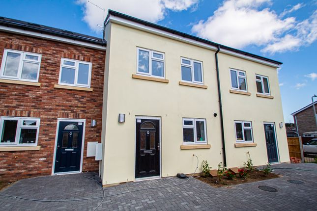 Thumbnail Terraced house for sale in Rayleigh Road, Leigh-On-Sea