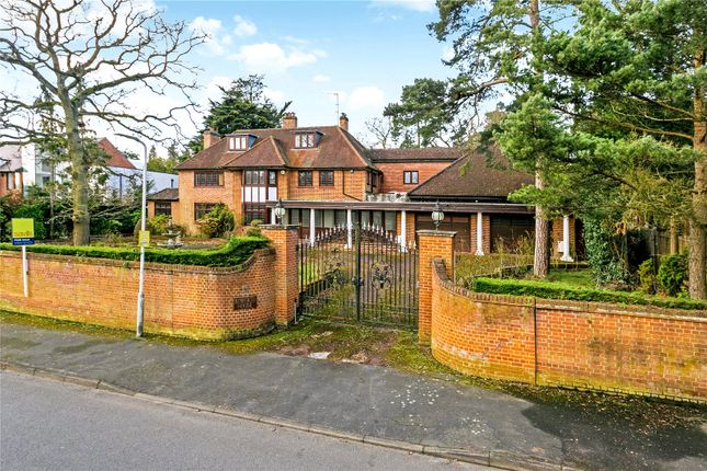 Thumbnail Detached house for sale in Linksway, Northwood, Middlesex