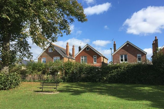 2 bed detached house for sale in Alexandra Road, Chichester