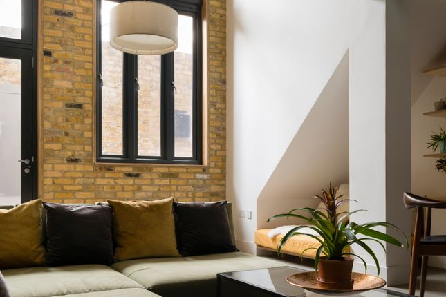 Thumbnail Terraced house for sale in Broadway Market Mews, London
