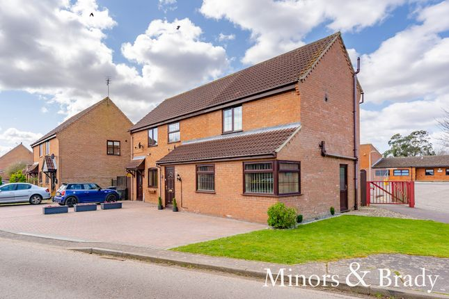 3 bed semi-detached house for sale in Strawberry Fields, Stalham, Norwich NR12