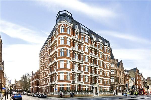 Thumbnail Flat to rent in Cumberland House, Kensington Road