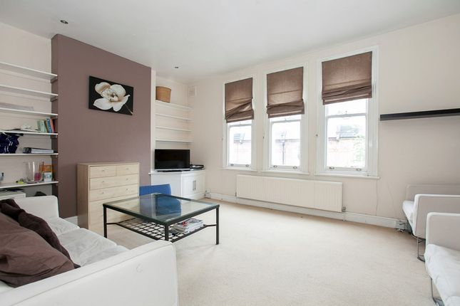 3 bed flat to rent in Ducie Street, London