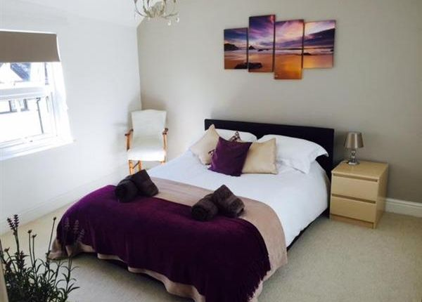 Thumbnail Flat to rent in High Street, Topsham, Exeter