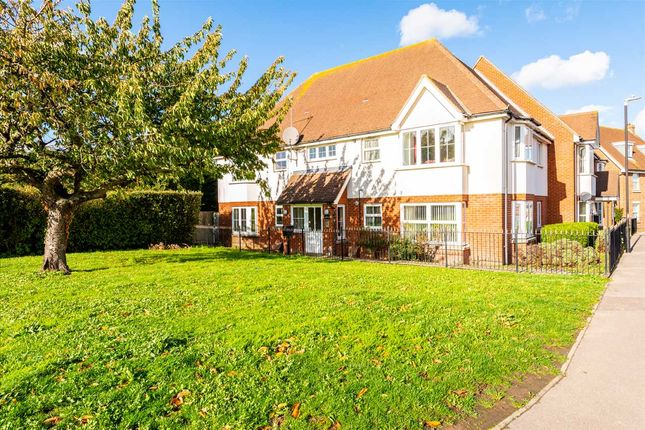 Thumbnail Flat for sale in Bluebell Drive, Sittingbourne