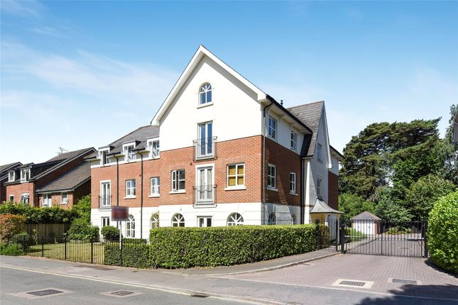 Thumbnail Flat for sale in Gordon Road, Camberley, Surrey