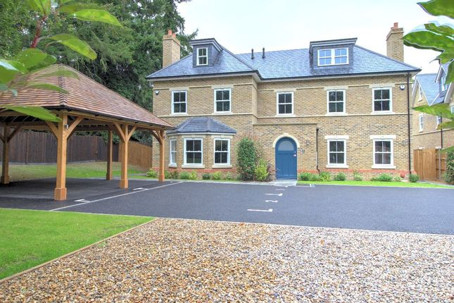 Thumbnail Town house for sale in London Road, Sunningdale, Ascot