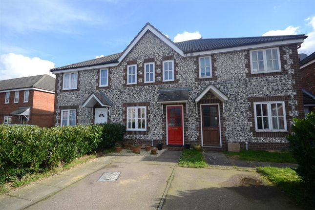 Thumbnail Terraced house for sale in Thorpe Marriott, Norwich