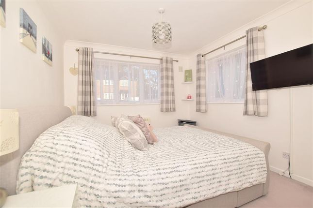 Thumbnail Flat for sale in Winchester Court, Southwater, West Sussex