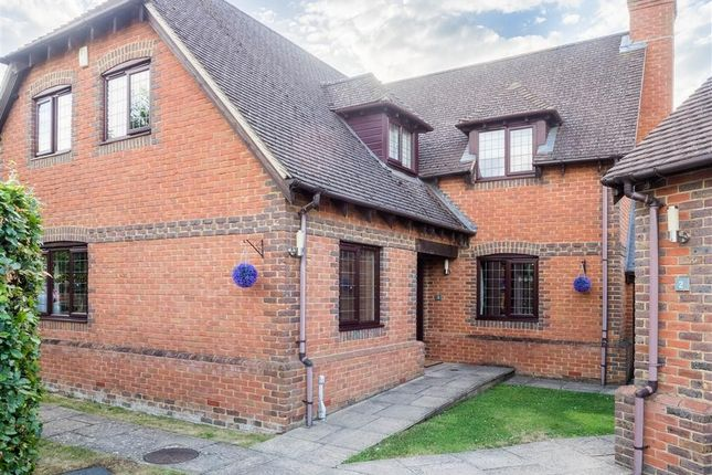 Thumbnail Detached house for sale in Hill View, Spencers Wood, Reading