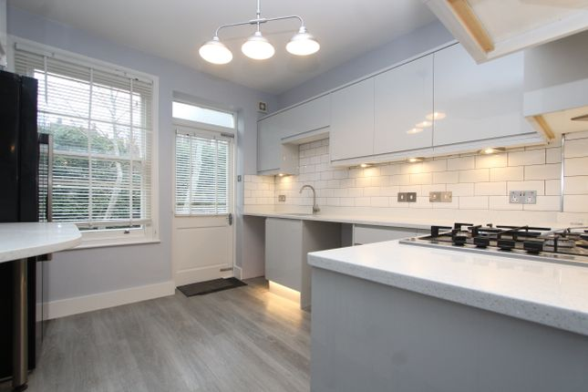 Thumbnail Flat to rent in Heathville Road, London