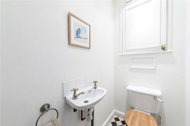 Picture No. 28 of Queensmill Road, London SW6