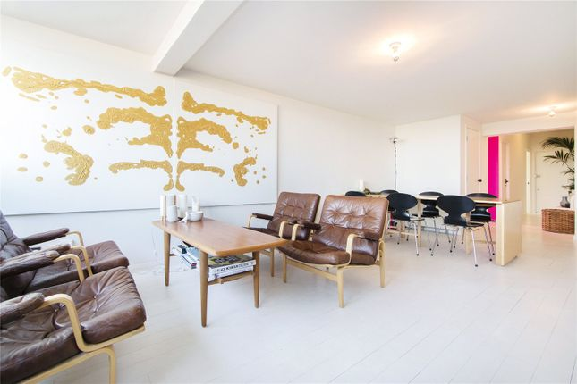 Thumbnail Flat to rent in Metro Central Heights, 119 Newington Causeway, London
