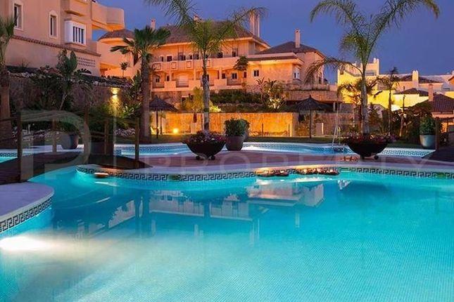 2 bed apartment for sale in Nueva Andalucía, Marbella, Málaga, Spain