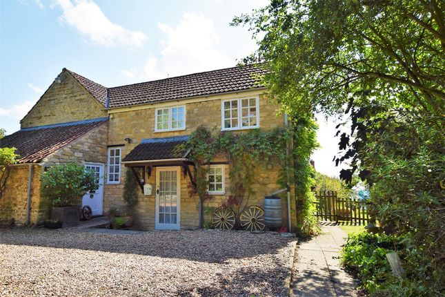 Thumbnail Cottage to rent in Butt Lane, North Luffenham, Oakham