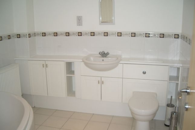 Main Bathroom of Bovey Court, St Ausins Lane, Warrington WA1