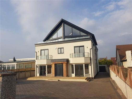 Thumbnail Flat to rent in North Promenade, Lytham St. Annes