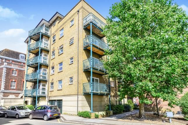 Thumbnail Flat for sale in Neptune Way, Southampton, Hampshire