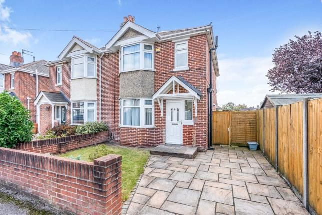 3 bed semi-detached house for sale in Southampton, Hampshire, . SO15
