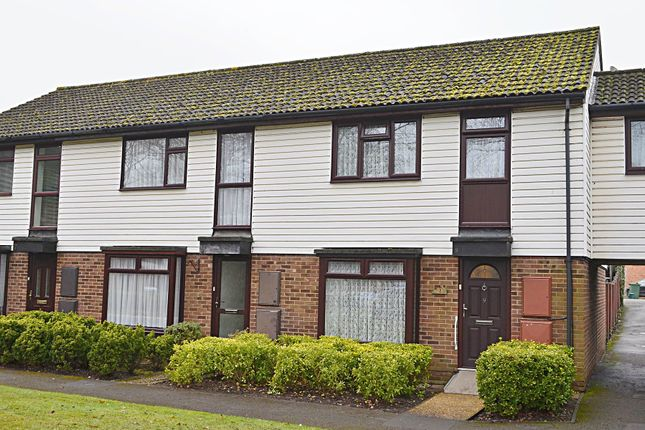 3 bed terraced house for sale in Alder Close, Ash Vale