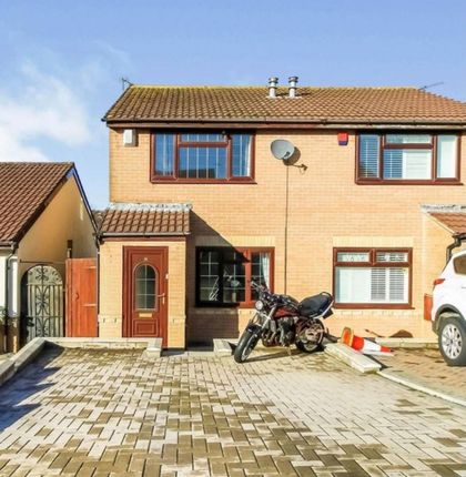 2 bed property to rent in Churchfields, Barry CF63