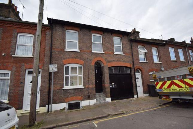 Thumbnail Flat to rent in Jubilee Street, Luton