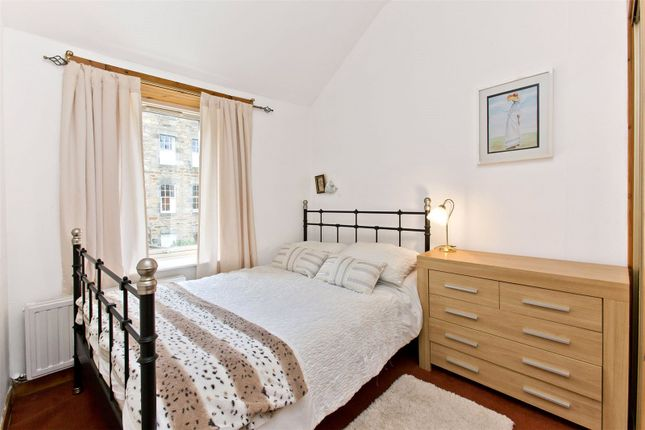 Bedroom of Nelson Place, New Town, Edinburgh EH3