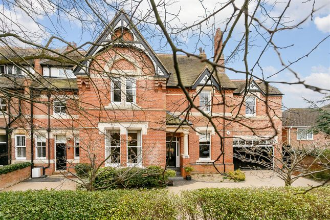 Thumbnail Semi-detached house for sale in Park Road, Leamington Spa, Warwickshire
