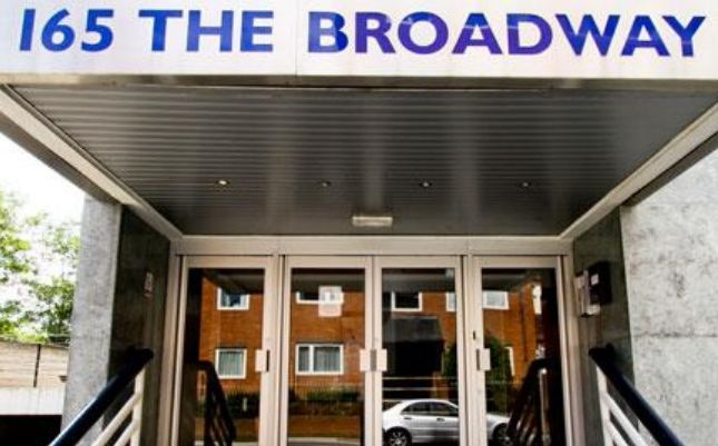 Thumbnail Office to let in The Broadway, London