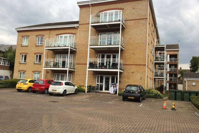 Flat to rent in Tonbridge Road, Maidstone, Kent
