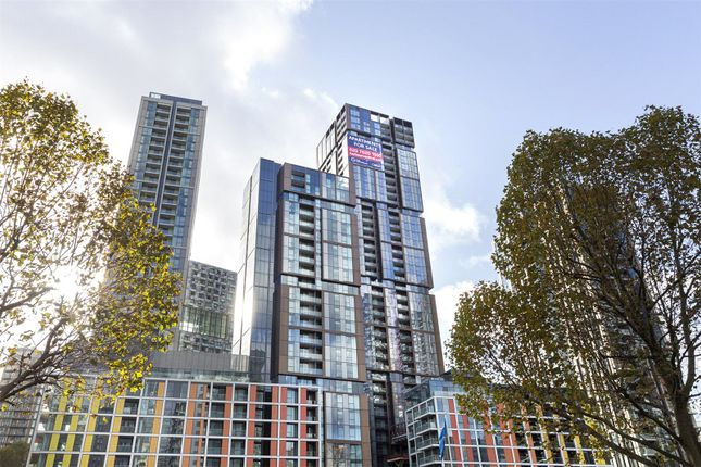 Picture No. 40 of Maine Tower, Harbour Central, Canary Wharf, London E14