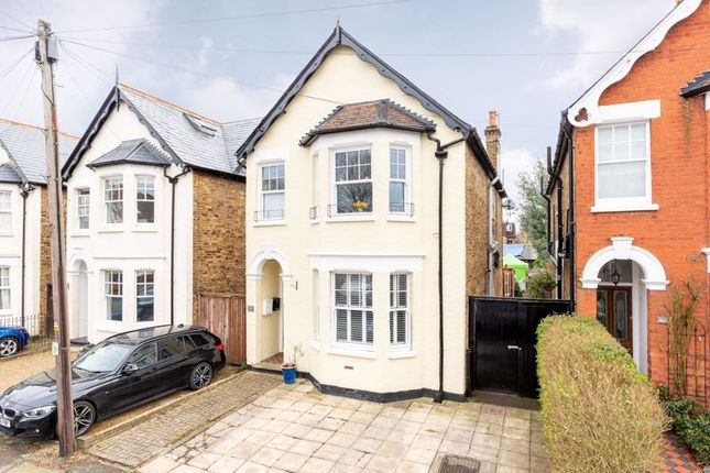 1 bed flat to rent in Kings Road, Walton-On-Thames KT12