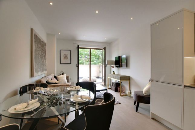 Thumbnail Flat for sale in Ziggurat House, Grosvenor Road, St Albans, Hertfordshire