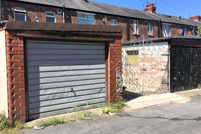 Parking/garage to rent in Devonshire Road, Blackpool
