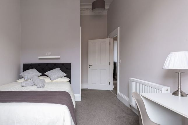 Thumbnail Room to rent in Room 1 - Flat 3, 5 St James Street, Newcastle Upon Tyne