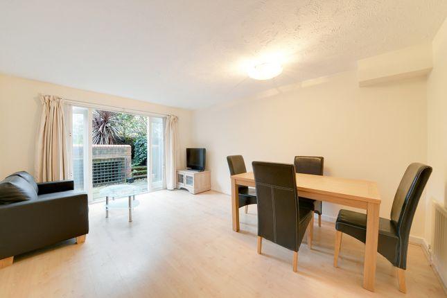 Flat to rent in Broadley Terrace, London