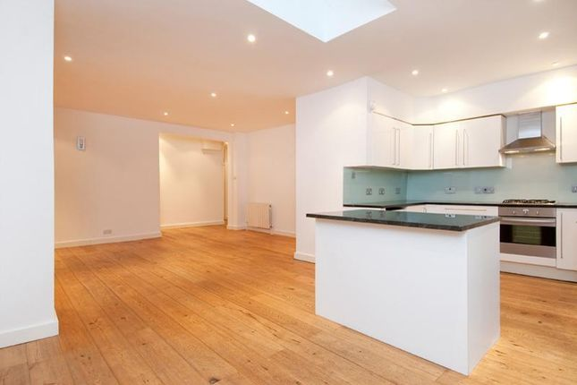 3 bed property to rent in Marlborough Hill, London NW8