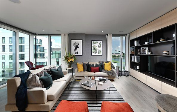 Thumbnail Flat for sale in Woodberry Down, Finsbury Park